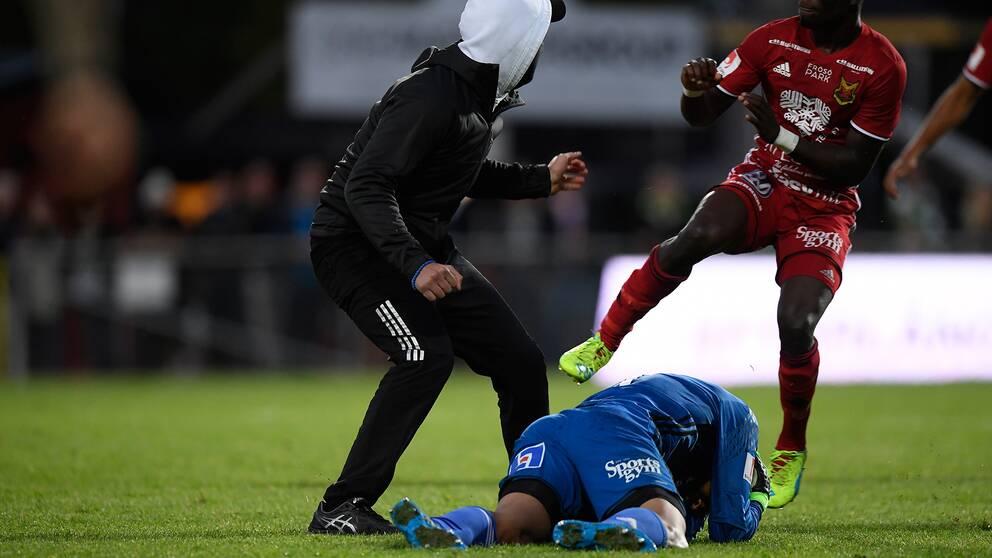 17-åring attackerade Östersunds målvakt.