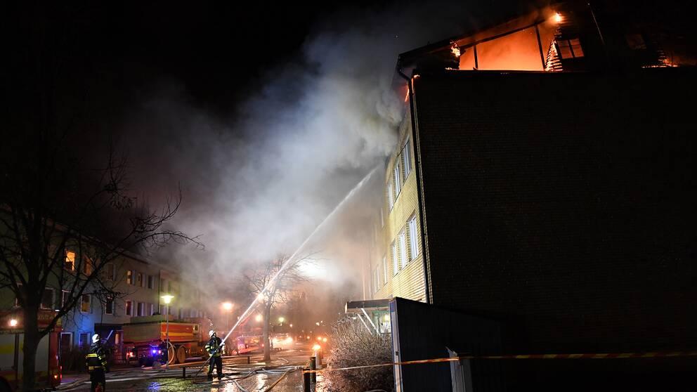 Brand i flerbostadshus