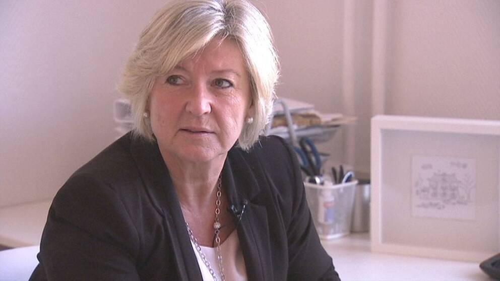 Mäklaren Jeanette Lindhagen i Stockholm tycker att lagändringen öppnat för mutor.