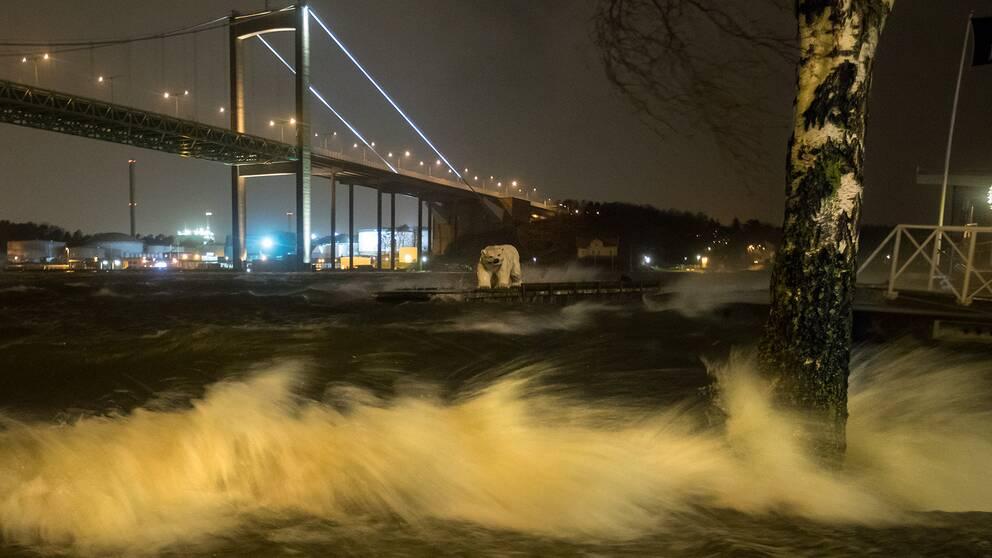 Älvsborgsbron fick stängas av under natten