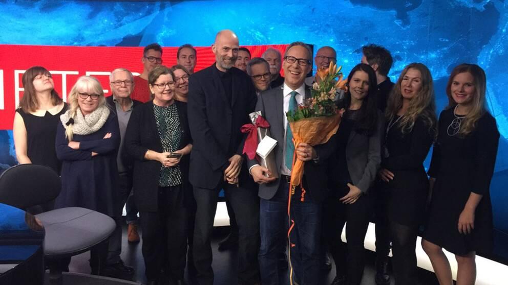 SVT Nyheters redaktion tackade av Ulf Wallgren efter sista sändningen.