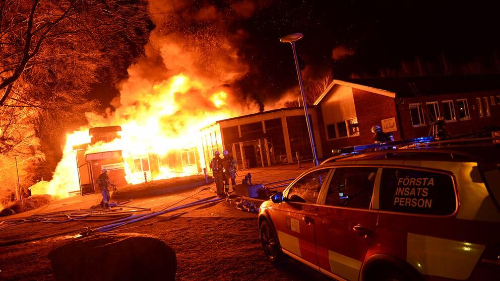 Sandsbro skola i Växjö i brand.