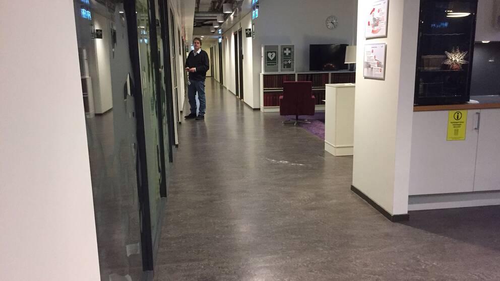 SVT:s lokaler i Göteborg har evakuerats efter att man hittat pulver.