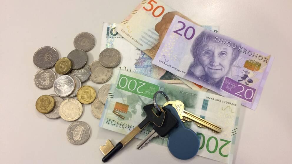 Pengar och husnycklar