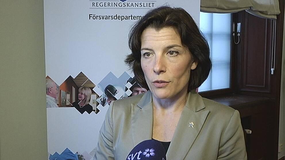 Karin Enström (M), försvarsminister