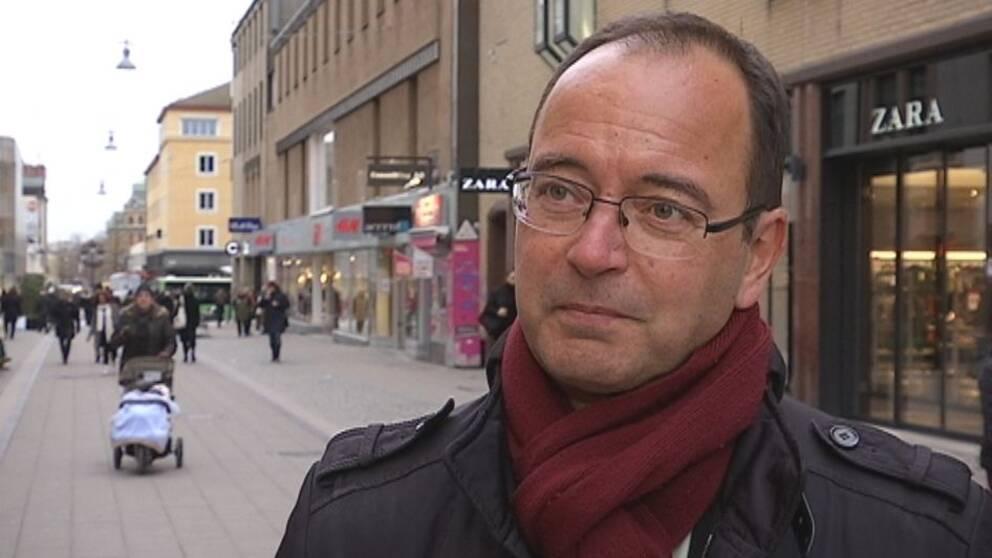 Stefan Hanna (C)