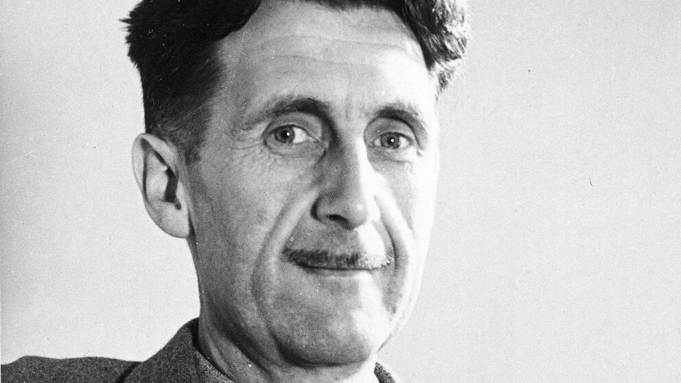 """Den brittiske författaren George Orwellls roman """"1984"""" upplever en försäljningstopp."""