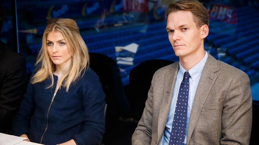 Therese Johaug med sin advokat Mikkel Toft Gimse.