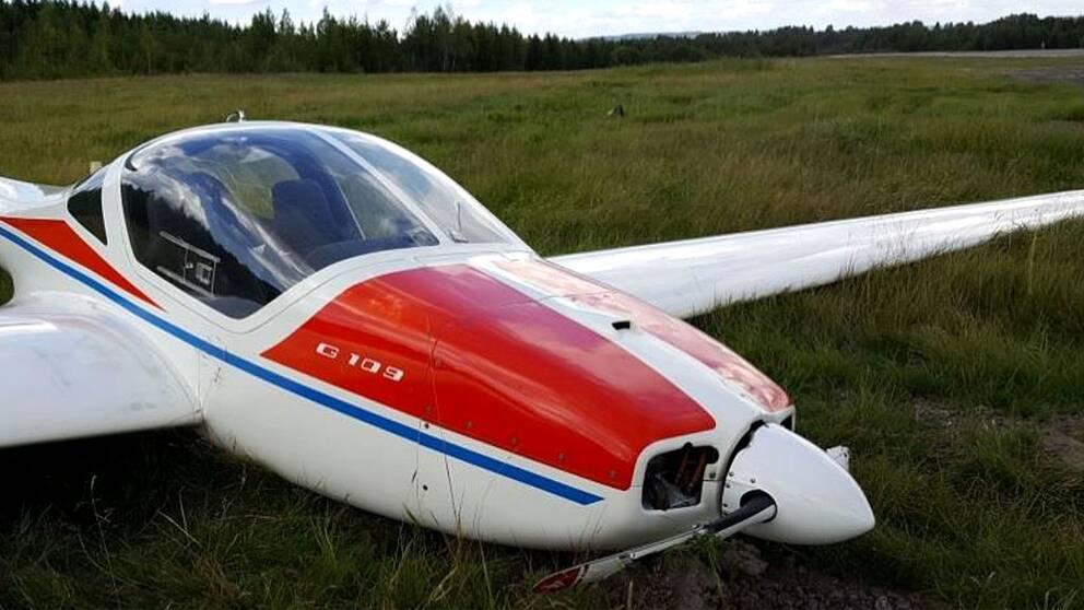 I dag kom Haverikommissionens slutrapport om flygolyckan i somras då ett plan kraschlandade på Karlskoga flygplats under en inflygning.