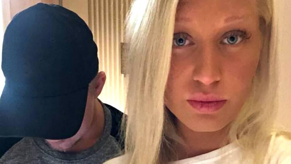 Melissa Haugaard och hennes pojkvän Mattias Johansson är fast i Indien.