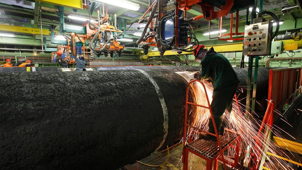 Arbetet med att lägga Nordstream gasledningen från Ryssland till Tyskland är i full gång på fartyget Castoro Sei