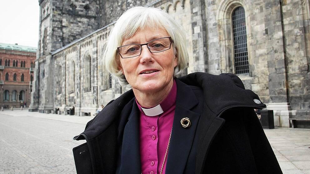 Ärkebiskop Antje Jackelén har sett lapparna och konstaterar att de innehåller många faktafel.