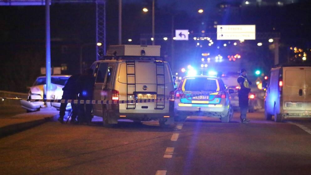 Skottlossning i Skärholmen i södra Stockholm i februari 2017. Två personer hittadess skadade på platsen.