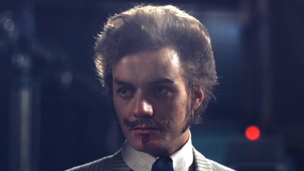 Leka med elden, komedi i en akt av August Strindberg i regi av Gunnel Broström.