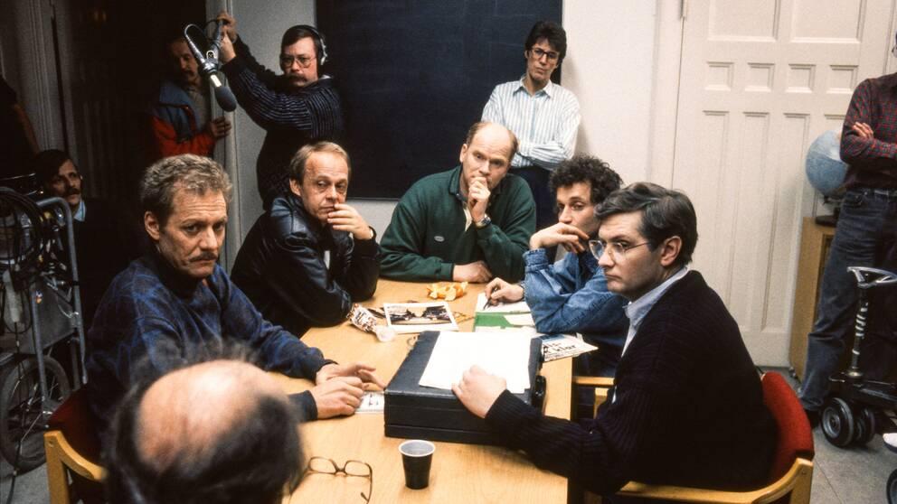 Lars-Erik Berenett, skådespelare, Mikael Ekman, regissör samt skådespelarna Björn Gedda, Robert Sjöblom och Allan Svensson under inspelningen av Hassel.