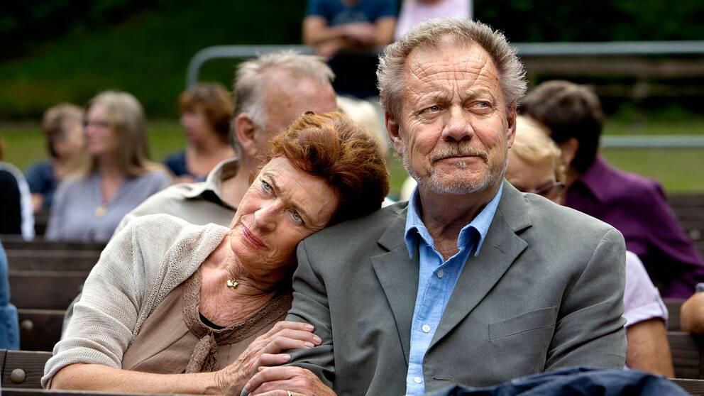 Evabritt Strandberg (Birgit Molander) och Lars-Erik Berenett (Arne Molander) i tv-serien Molanders.