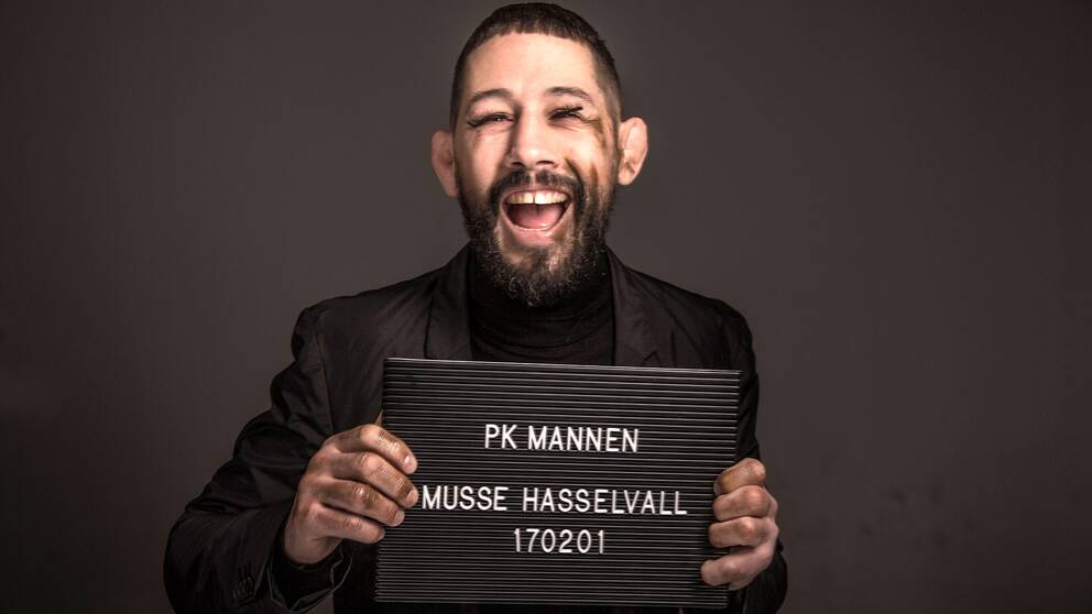 Musse Hasselvall som PK-mannen