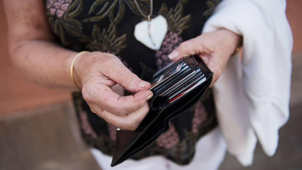 Kontokort i plånbok