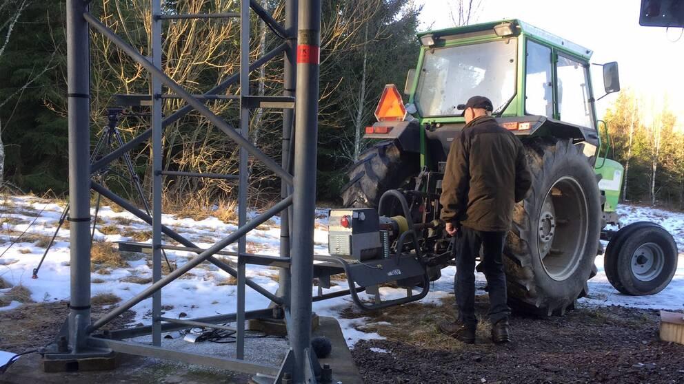 Traktorn och elverket kommer till användning igen?