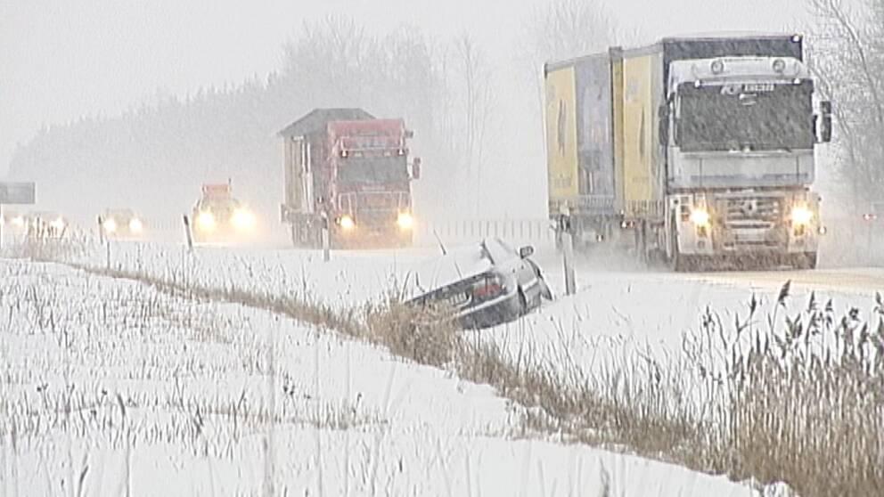 Trafikverket hoppas att ny teknik ska ge bättre halkbekämpning och färre olyckor. I vinter testas den bland annat i Västsverige.