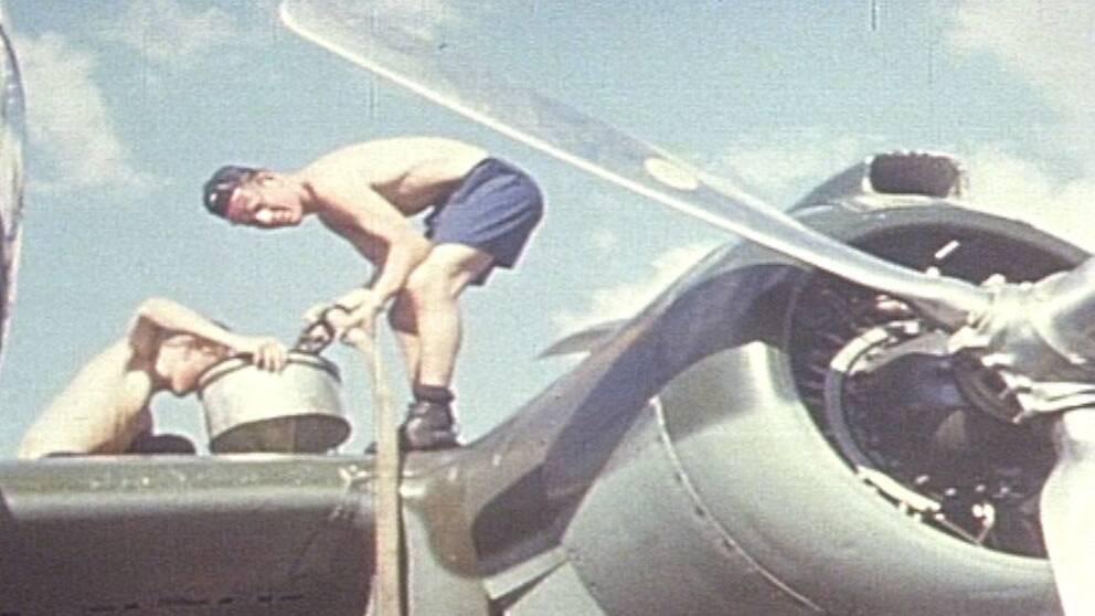 Gunnar Ludde Lundin, 92, är antagligen den sista person som minns hur det känns att kliva in i en SAAB B18B inför en flygning.