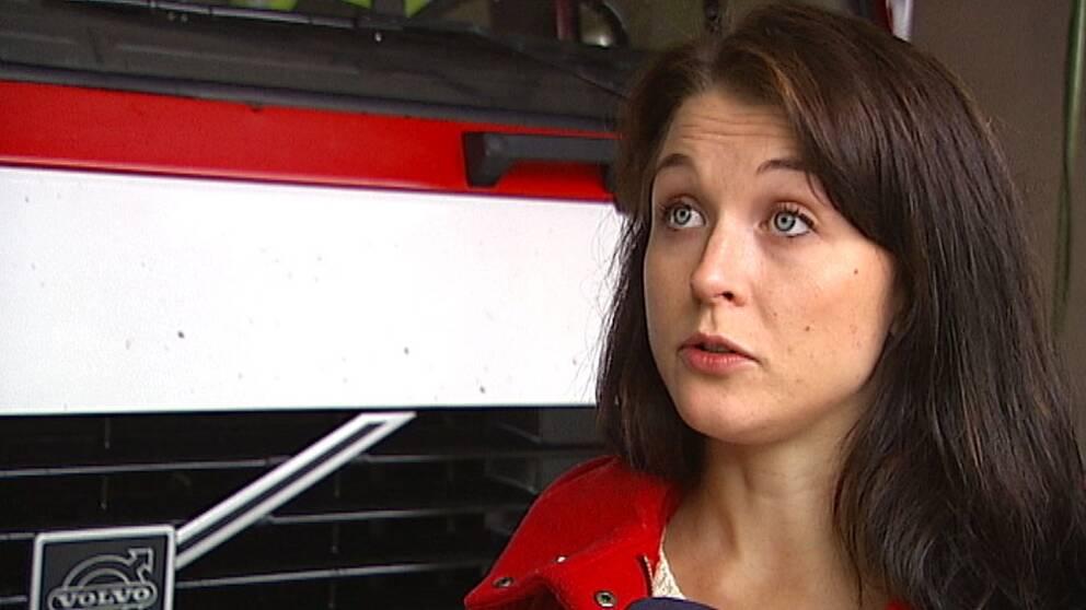 Deltidsbrandmannen Anna Andersson i Vitsand sade upp sig som en följd av konflikterna inom räddningstjänsten i Torsby. Nu kan hon tänka sig att jobba som brandman igen.