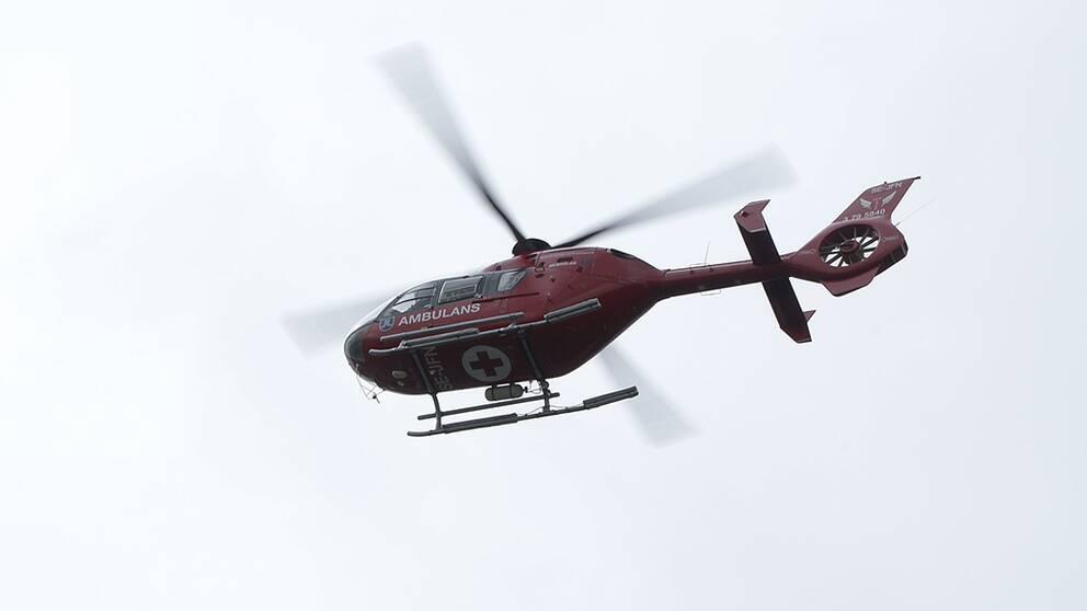 Ambulanshelikopter.