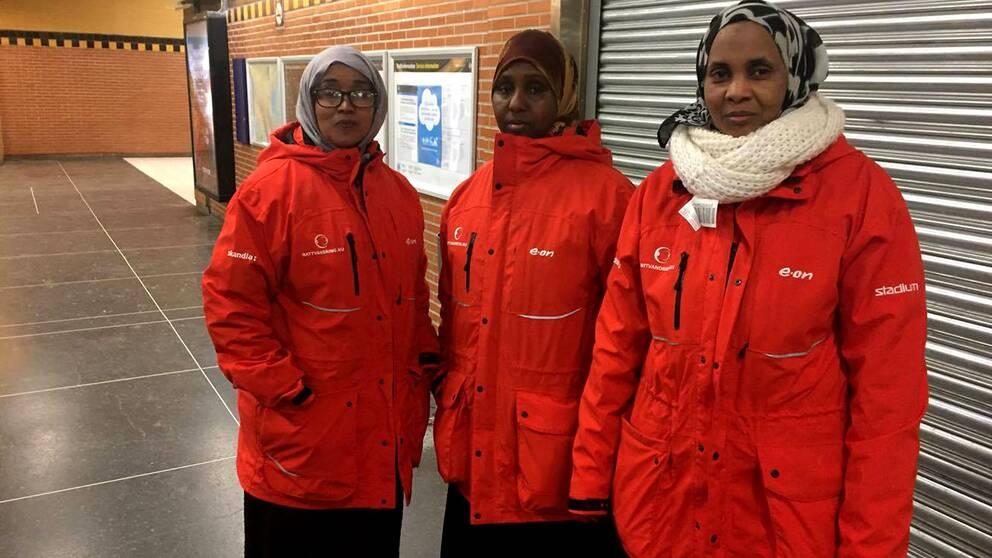 Asha Rooble, Fuaado Mhalin och Ismahan Iman nattvandrar i Rinkeby.