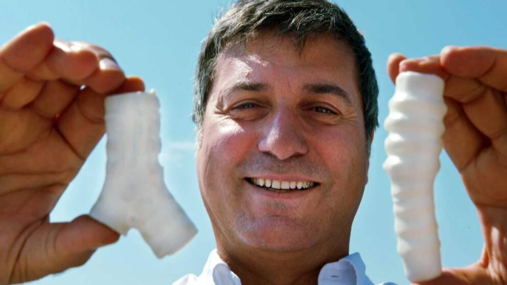 Paolo Macchiarini med plast strupar