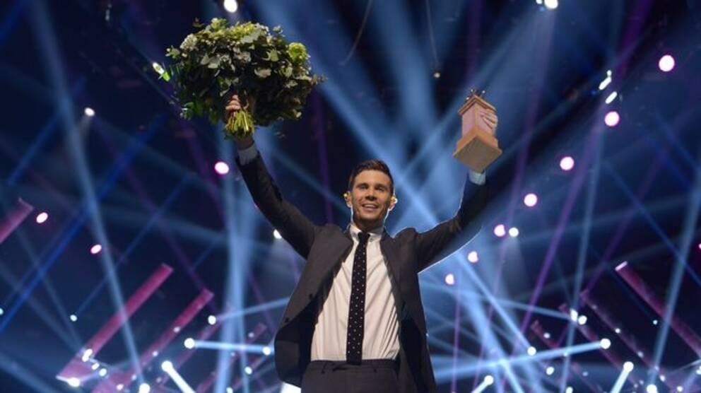 Robin Bengtsson efter vinsten i Melodifestivalen 2017.