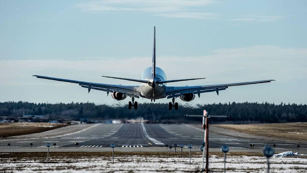 Flygplan under landning