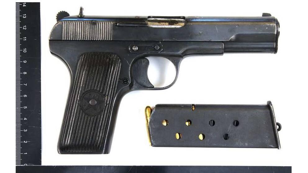 Man hotade barn med pistol