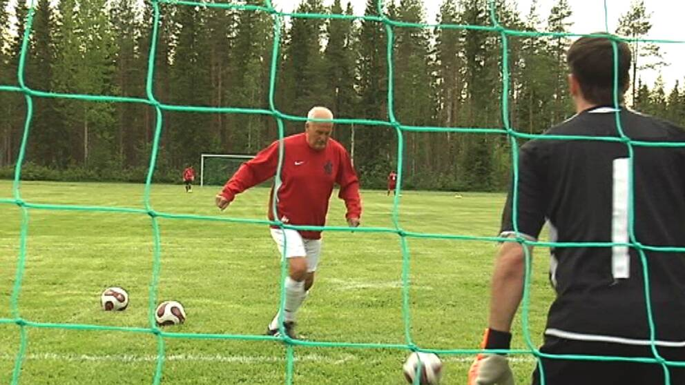 Arkivbild från när SVT träffade Bo Fuhrman för fem år sedan. Då spelade han  i Sunnanå 2. Foto  SVT 342859bbcba57