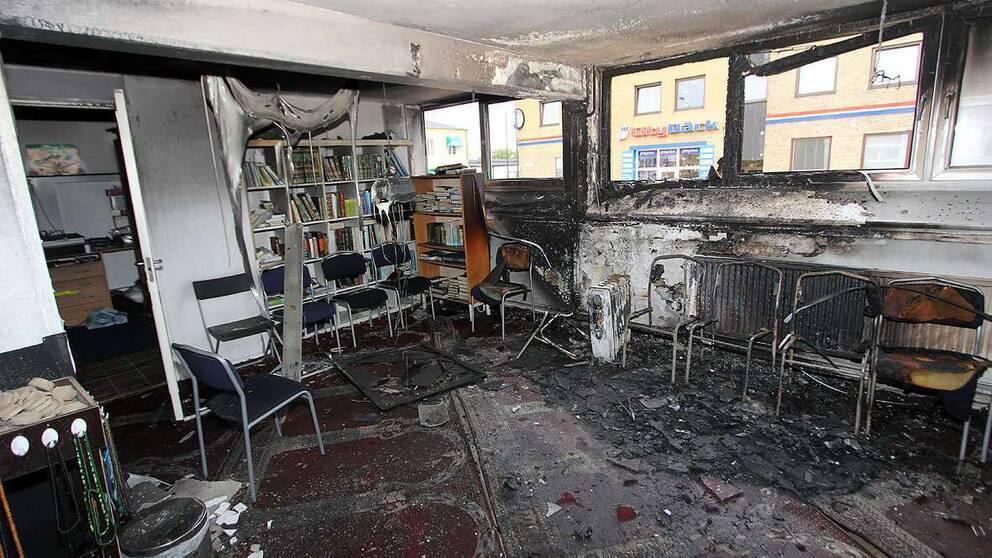 Brandbomben orsakade stora skador i den shiamuslimska föreningslokalen.