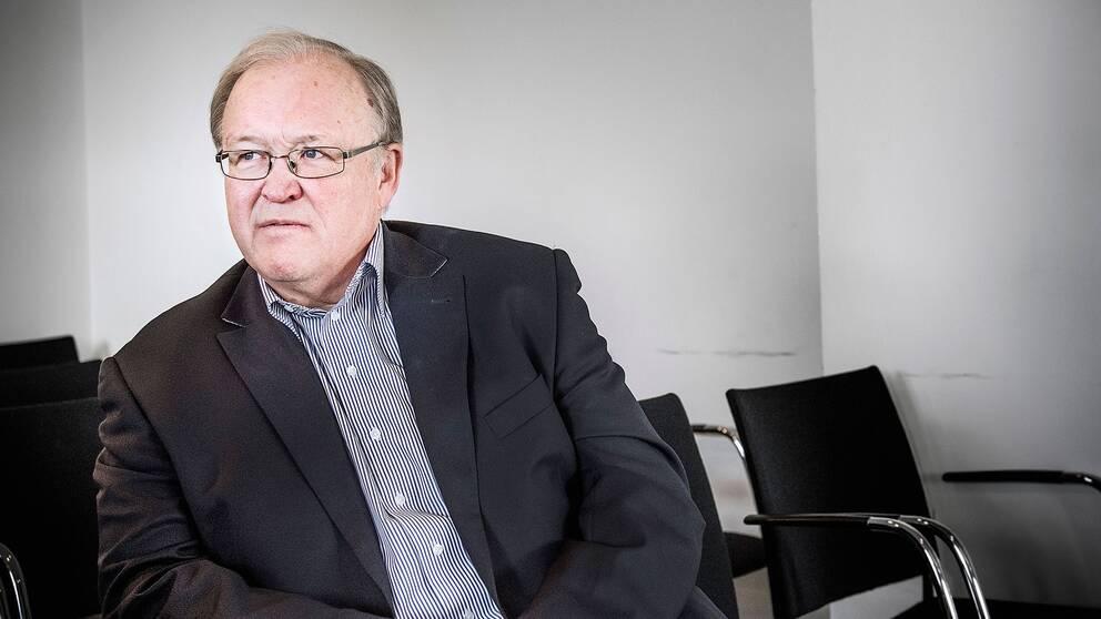 Göran Persson ser funderam ut