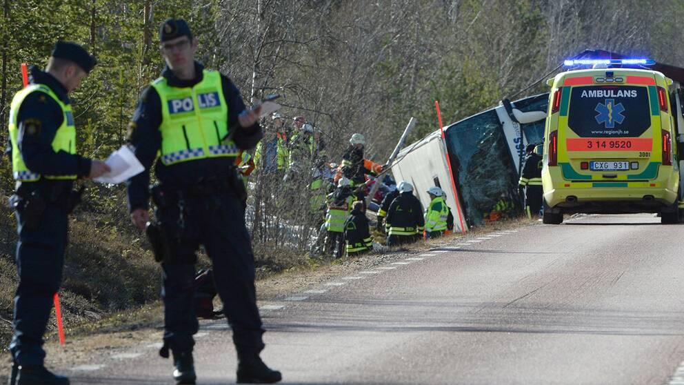 Bussolycka i uppsala fem till sjukhus