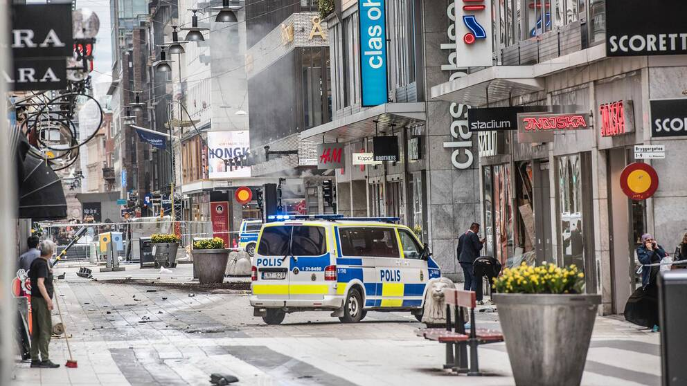 Drottninggatan efter terrordådet i centrala Stockholm.