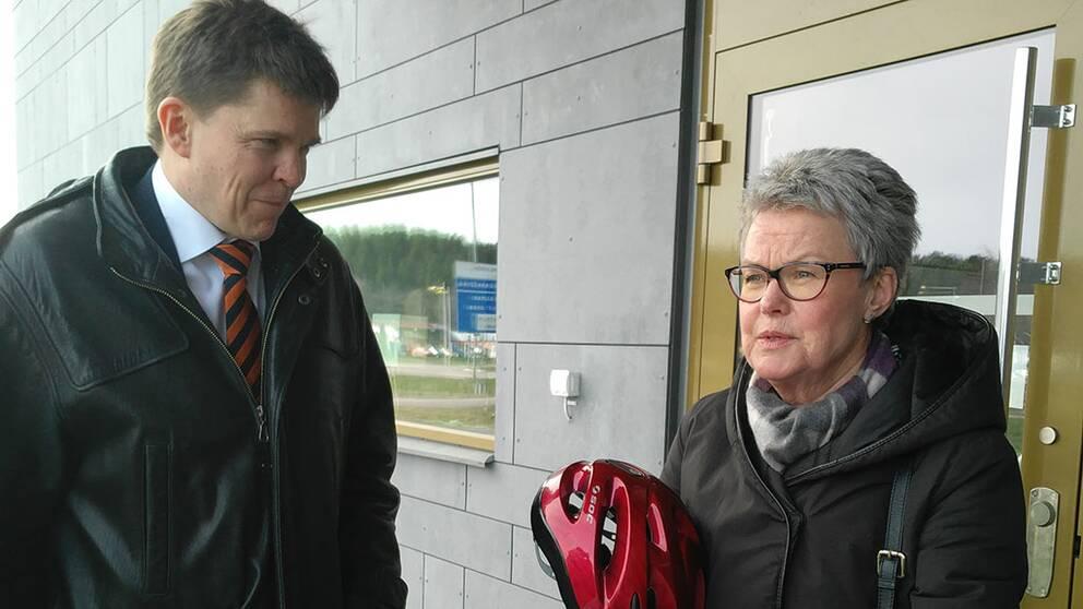 KU:s ordförande Andreas Norlén (M) och Yvonne Persson (M), kommunalråd i Söderköping öst