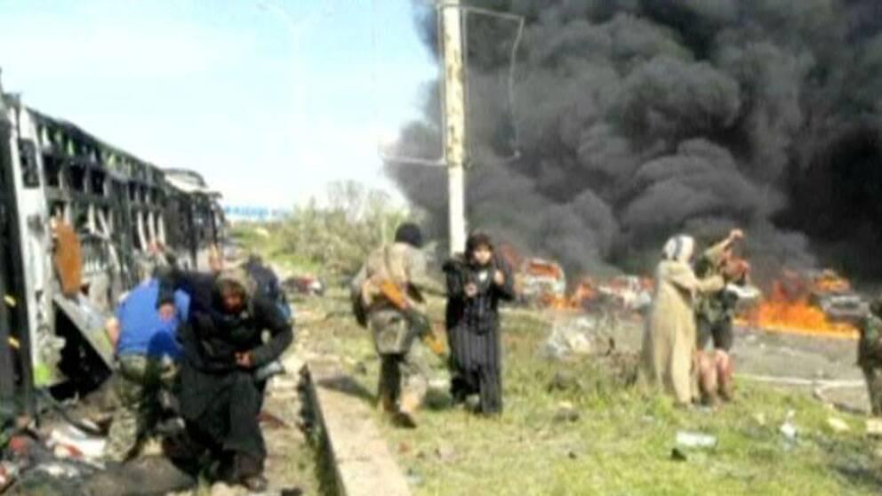 Kaos på platsen där bussarna attackerades