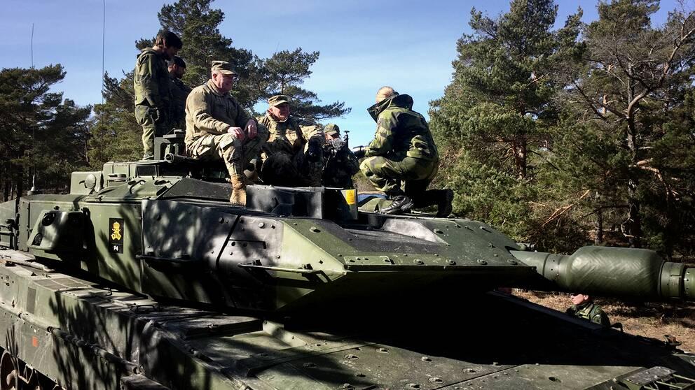 amerikansk arméchef besök militär Gotland öst