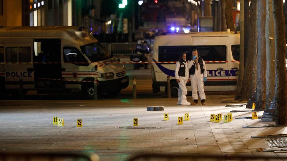 Bild från skjutningen i Paris dagen efter.