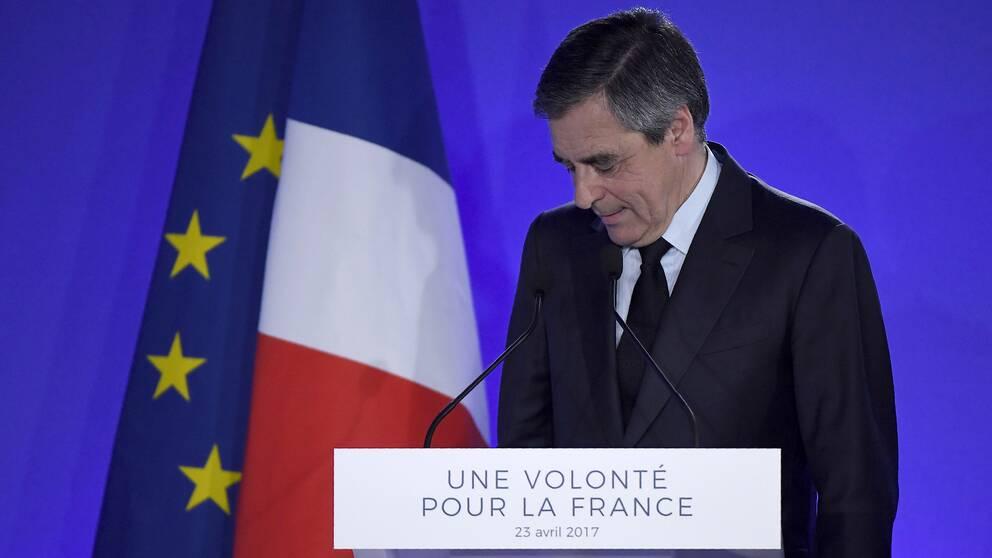 Republikanernas Francois Fillon fick inte röster tillräckligt för att nå en andra valomgång.