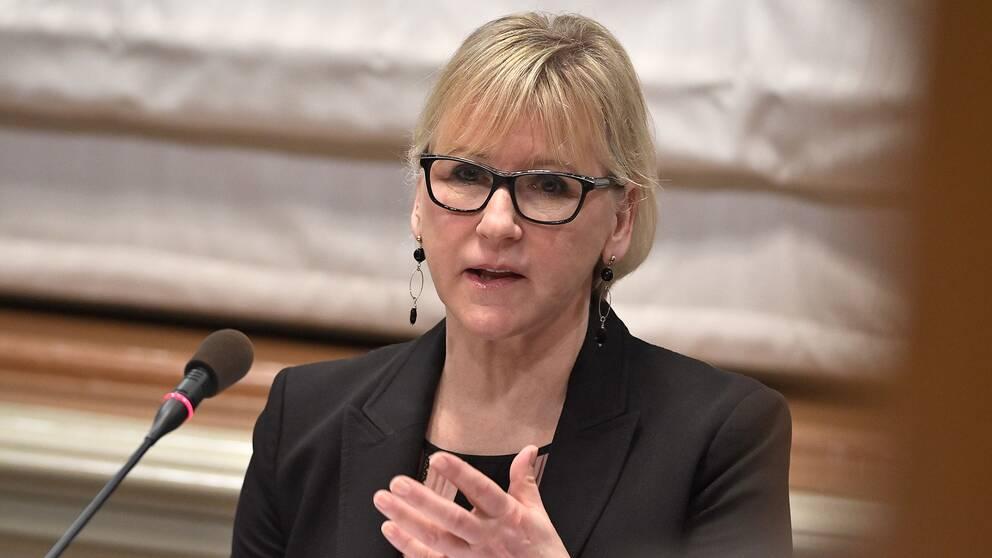 Wallström svarar på kritiken.
