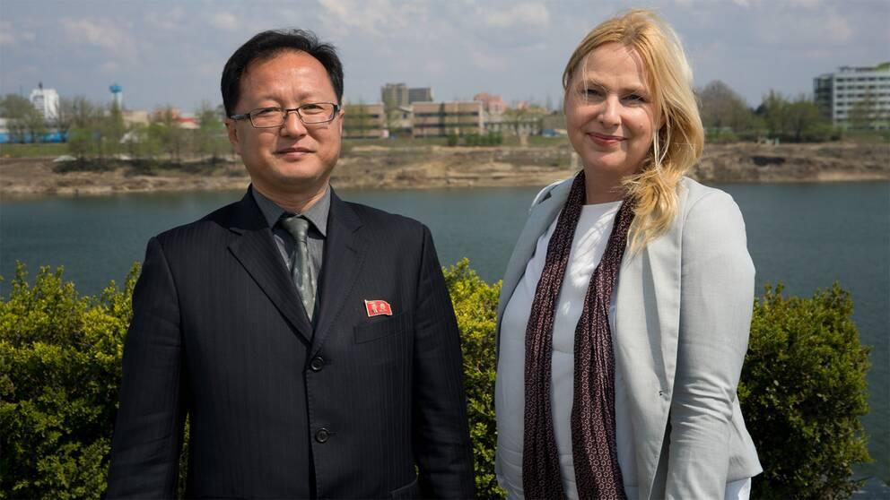 SVT:s Asienkorrespondent Susan Ritzén träffade Pak Yun Sik, sektionschef vid nordkoreanska utrikesministeriet.