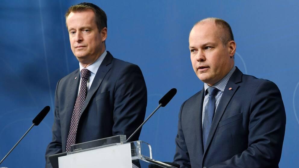 Inrikesmiinister Anders Ygeman och justitie- och migrationsminister Morgan Johansson