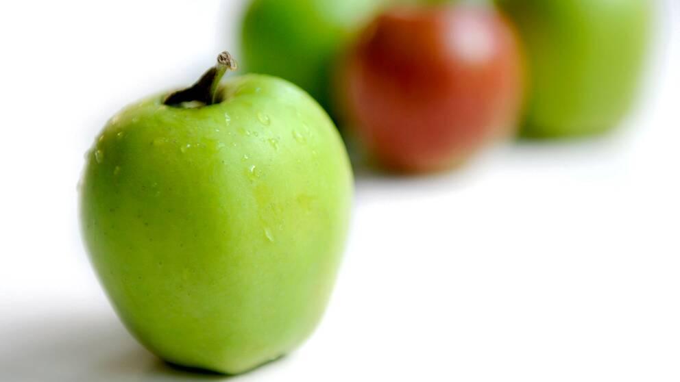Många pollenallergiker är även överkänsliga mot äpplen.
