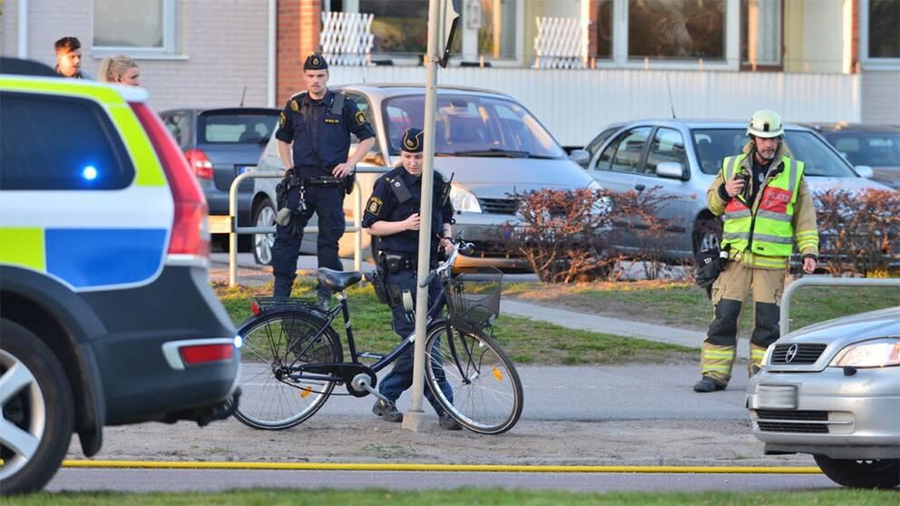 Pakord cyklist svart skadad