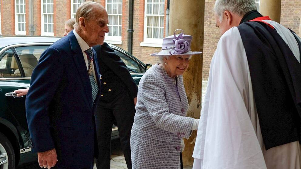 Bara timmar efter beskedet om prins Philips planerade pension närvarade prinsen och drottning Elizabeth vid Service for Members of the Order of Merit vid the Chapel Royal.