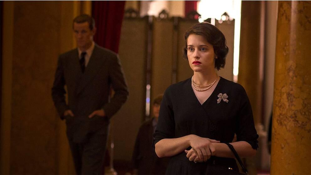 Claire Foy som drottning Elisabet II i tv-serien The Crown. Hon fick Golden globepriset för bästa skådespelare i januari i år.