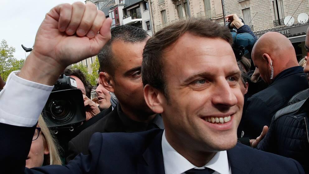 Emmanuel Macron i staden Rodez under sin presidentkampanj två dagar före valet.